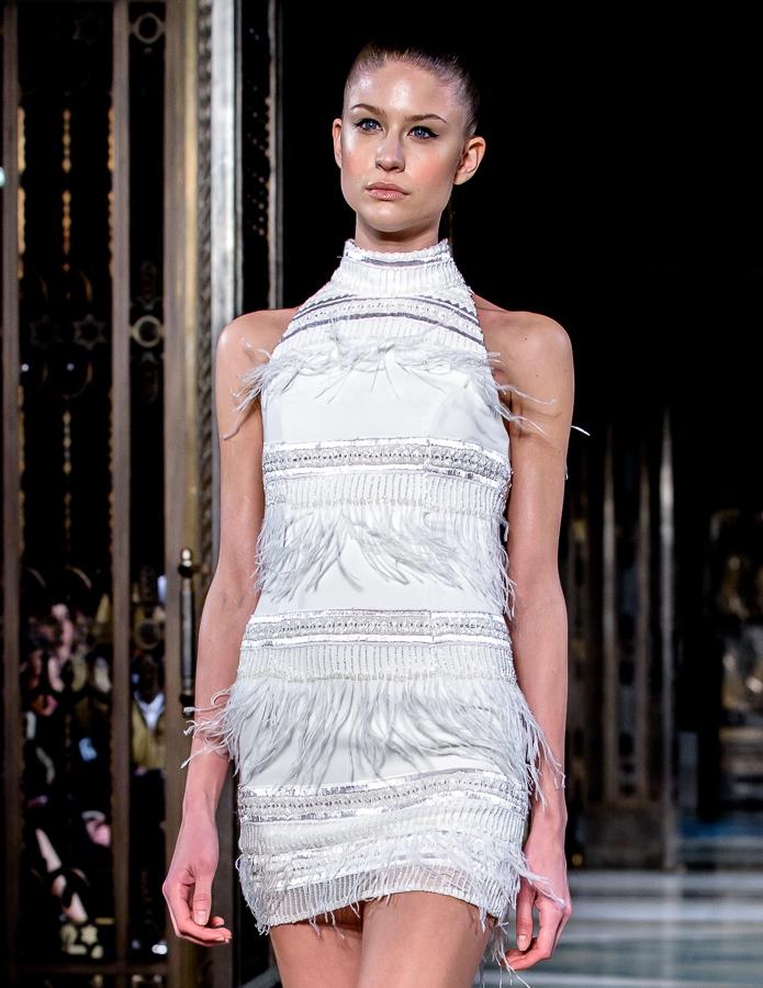 London Fashion Week *17 Barrus couture catwalk